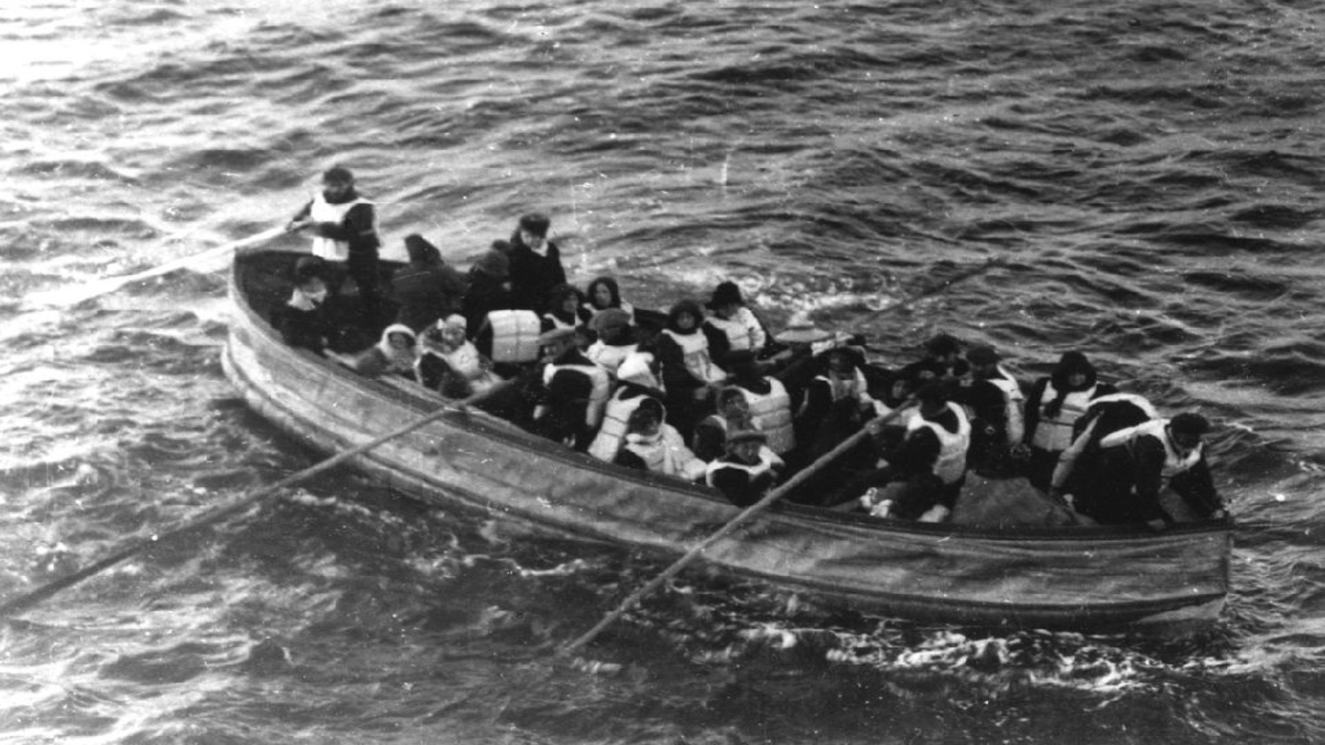 How did passenger class affect survival on the Titanic?